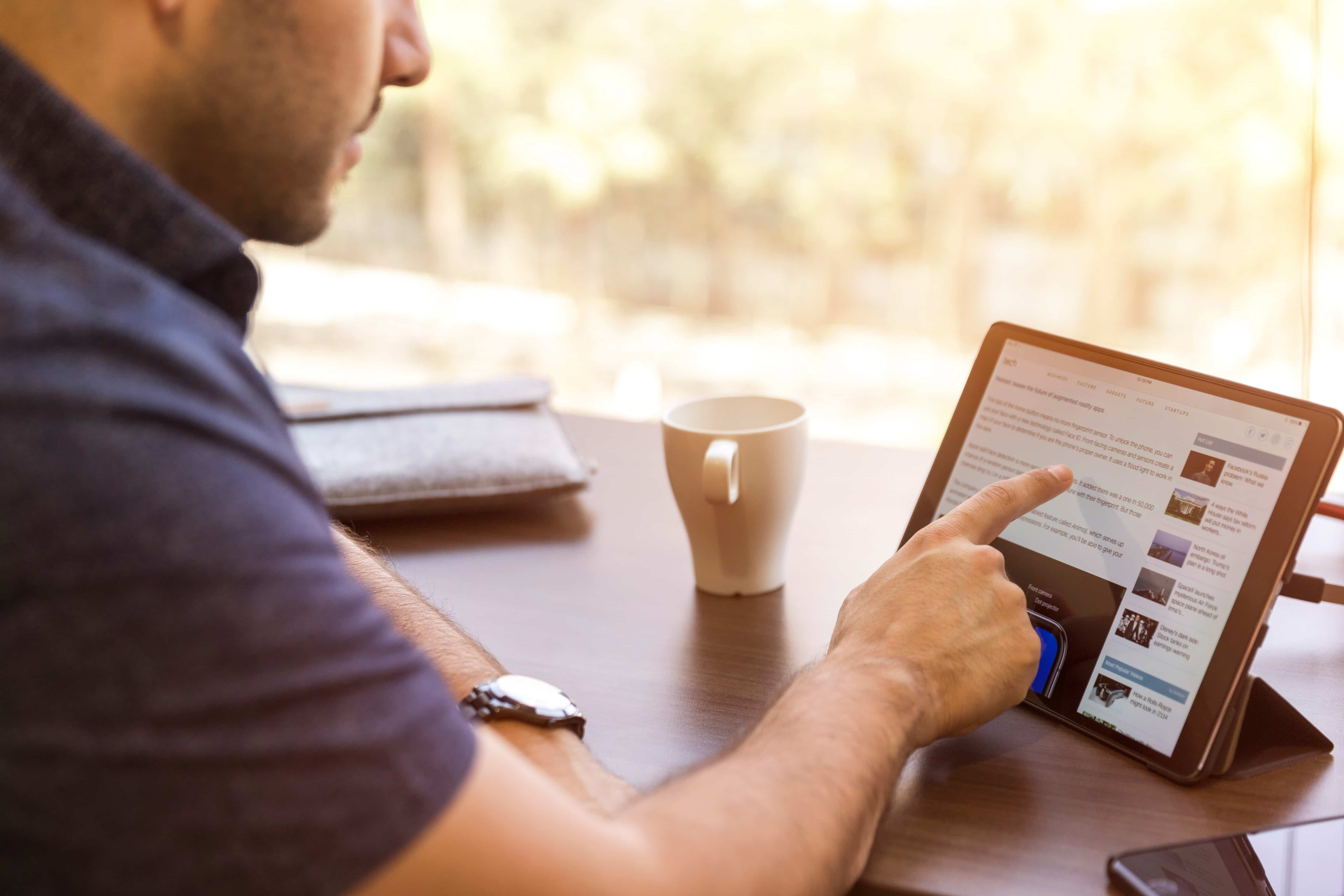 Digitaler Vertrieb – die Chancen für KMU heute linkedin sales navigator UK1N66KUkMk unsplash min 1